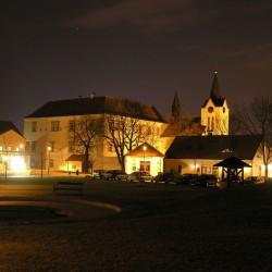 Horní Počernice v noci