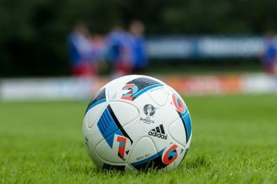 football-2042585_640