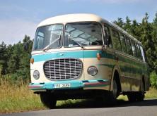Autobusový den v sobotu 14. dubna – historickým autobusem z Letňan až na Chvalský zámek