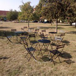 Pražské židle na Chvalech a u Divadla