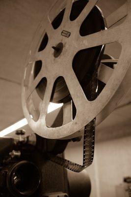 Letní retro kino na nádvoří Chvalského zámku – 31. 8. až 2. 9.