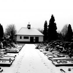 Změna otevírací doby hřbitovů v Horních Počernicích