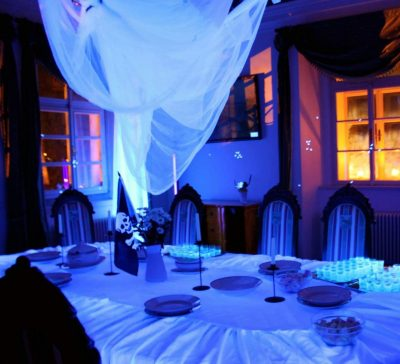 Strašidelná noc na zámku s padouchy a superhrdiny