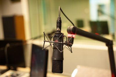 microphone-4320921_960_720