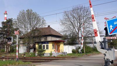 železniční přejezd Lukavecká